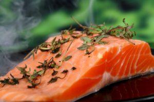 Lomo de salmón con hierbas