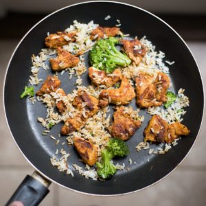 Arroz con pollo y brócoli